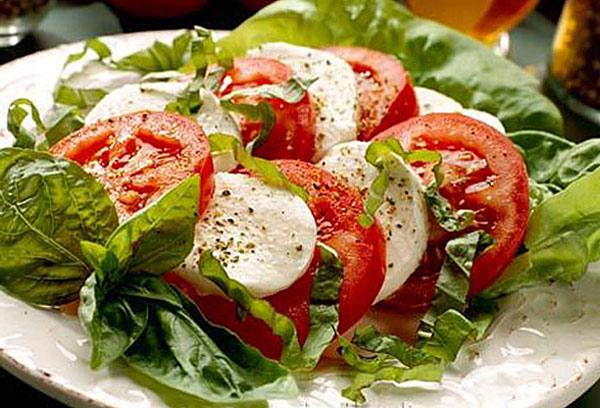 salat-kapreze-klassicheskij-1