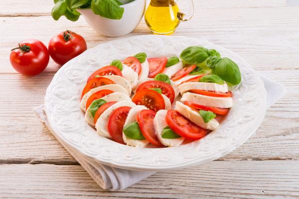 salat-kapreze-klassicheskij-2