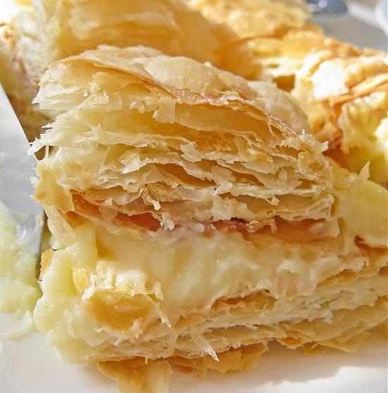 syrnyj-tort-napoleon-s-bri