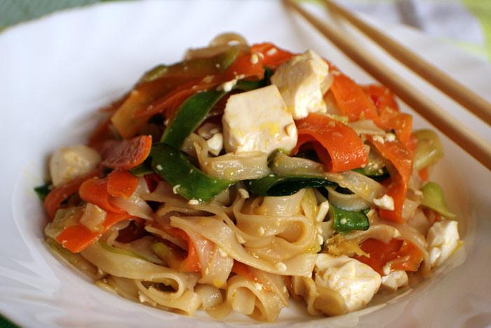 tofu-s-risovoj-lapshoj-i-morkovyu-1