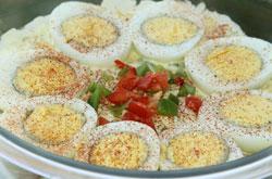 recepty-s-kolbasnym-syrom-salaty_3