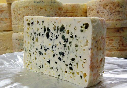 Сыр Рокфор с голубой плесенью