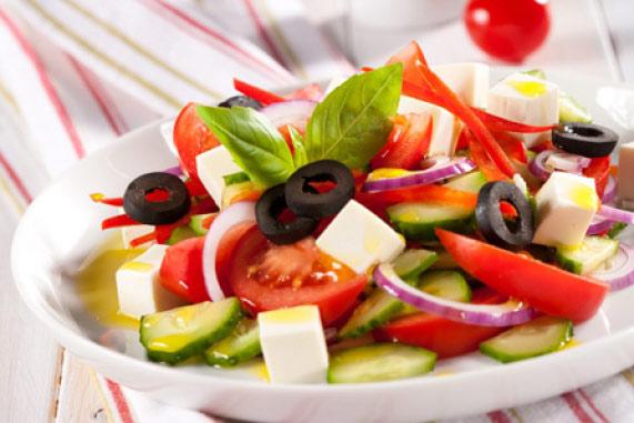 салат с фетаксой и перцем