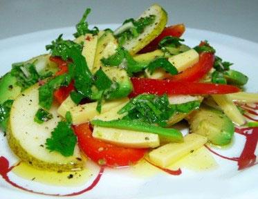 salaty-s-avokado-i-syrom-2