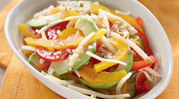 salaty-s-avokado-i-syrom