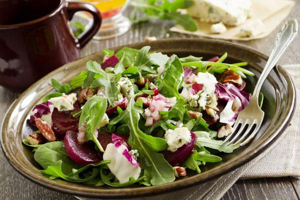 recepty-salatov-s-syrom-rikotta