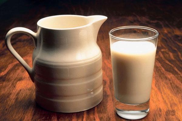 iz-kakogo-moloka-gotovit-jogurt-2