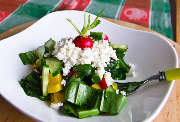 vkusnye-salaty-s-zernenym-tvorogom-1