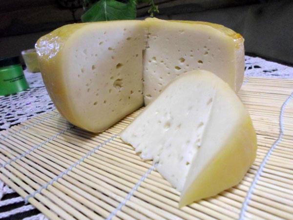 tverdyj-syr-iz-kozego-moloka-na-fermente-super-majya